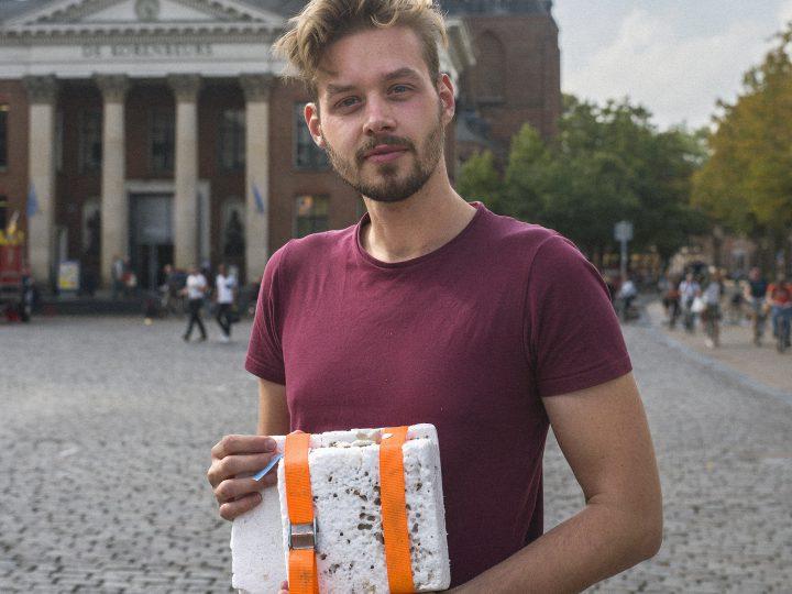 'Met meelwormen probeer ik de afvalberg te verkleinen'
